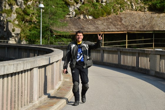 11 nathan bestens gelaunt auf staumaür tour italien juni 2015