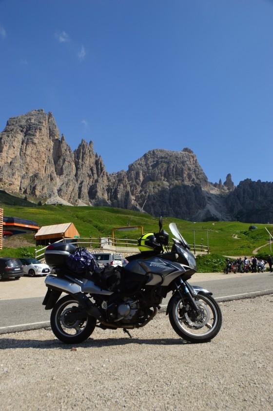 25 v-strom am grödner joch tour italien juni 2015