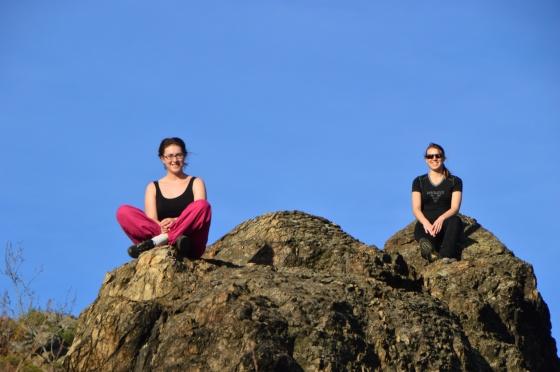 Anna und Michelle am Felsen Dürrnstein