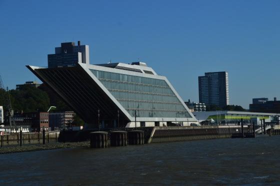Architektur im Hafen Hamburg