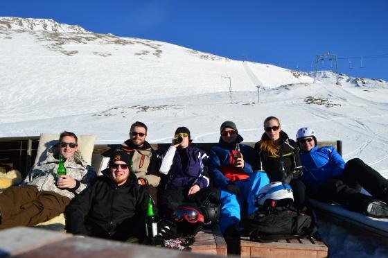 gruppenfoto apres ski bier sportgastein