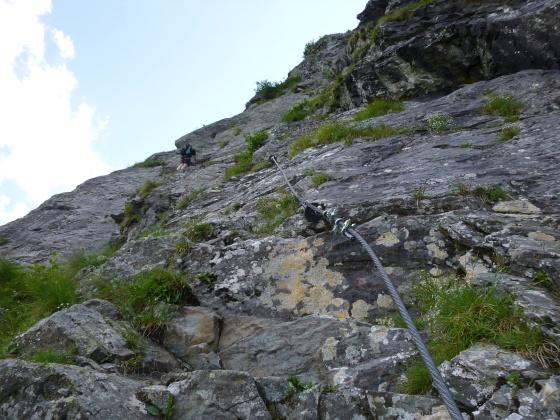 ich auf franzi klettersteig blick nach oben