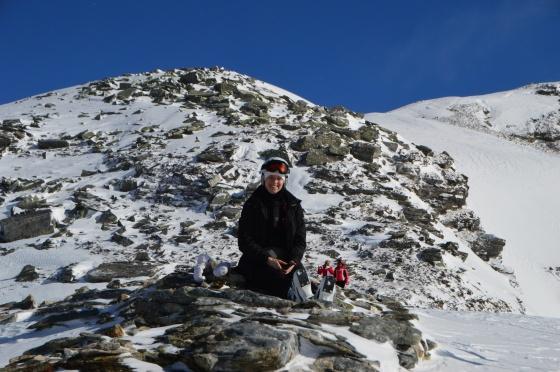 michelle im schnee und steine