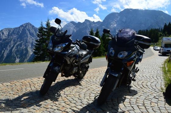 motorräder auf rossfeld strasse