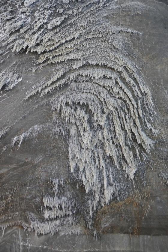 salz stalaktiten salzmine turda rumänien