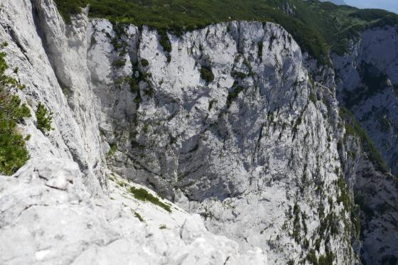 steil abfallende trisselwand