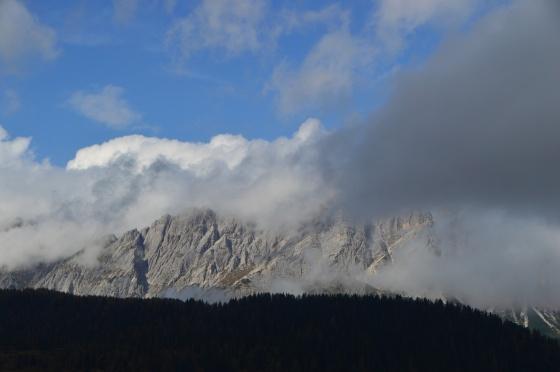 wolken und berge am sella di razzo